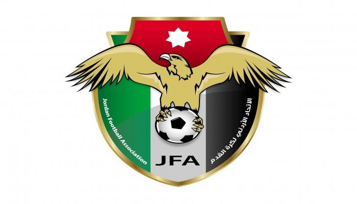 الحجاب قبل المباراة.. إشادة بالدوري النسوي في الأردن