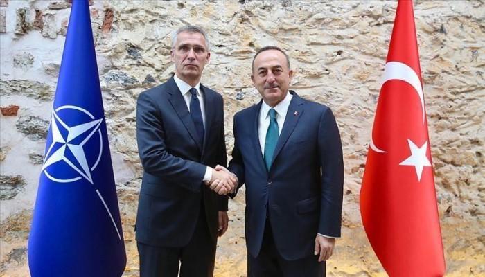 وزير خارجية تركيا يبحث تعليق نبع السلام مع أمين الناتو