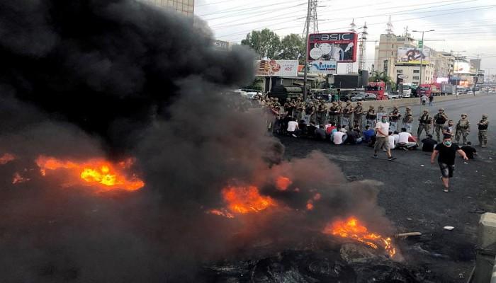 مقتل متظاهر وإصابة آخر بحروق خلال تظاهرات لبنان