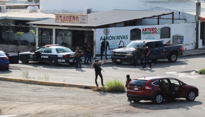 رئيس المكسيك يبرر فشل توقيف نجل إمبراطور المخدرات ال تشابو