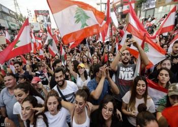 حكومة لبنان تتفكك.. سمير جعجع يسحب وزرائه وجنبلاط متردد