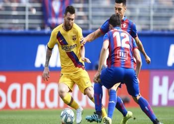 ريال مدريد يتلقى أول هزيمة بالدوري وبرشلونة يتصدر الترتيب