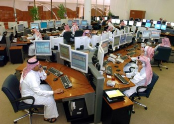 العمل السعودية تقرر رفع نسب التوطين بالعقود الحكومية