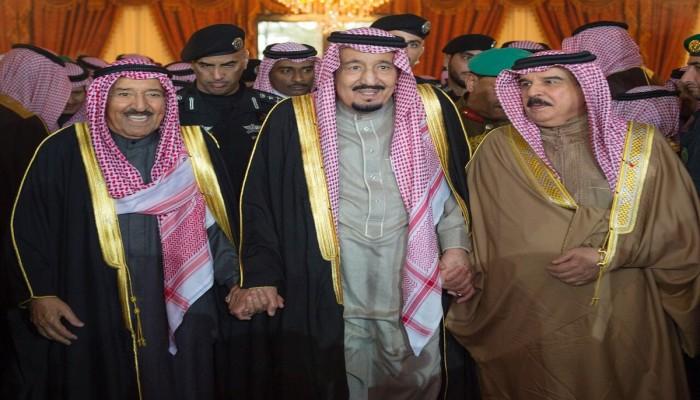 أمير الكويت يبعث رسالتين لملكي السعودية والبحرين