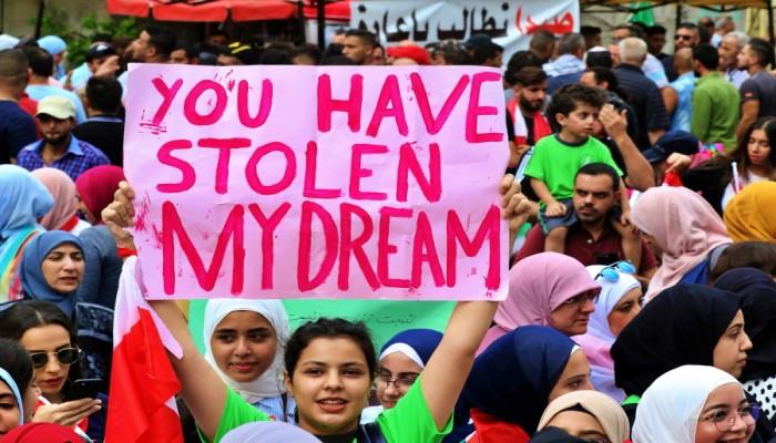 مليار دولار تكلفة احتجاجات لبنان.. والأسواق تعاني الشلل