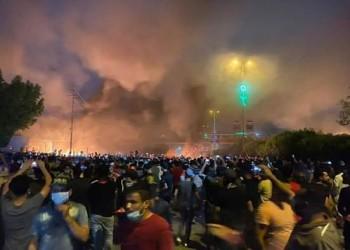 العراق.. تضارب أنباء حول إضرام النيران بمبنى مجلس كربلاء