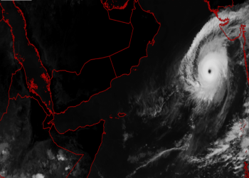 كيار.. ثاني أقوى إعصار يضرب بحر العرب منذ 12 عاما