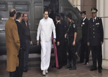 تأجيل محاكمة جمال وعلاء مبارك للثلاثاء