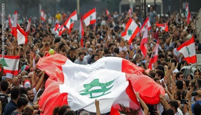 مظاهرات لبنان.. كيف غرق الاقتصاد اللبناني في مستنقع الديون؟