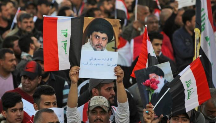 العراق.. الصدر ينضم إلى المتظاهرين في النجف (صور)