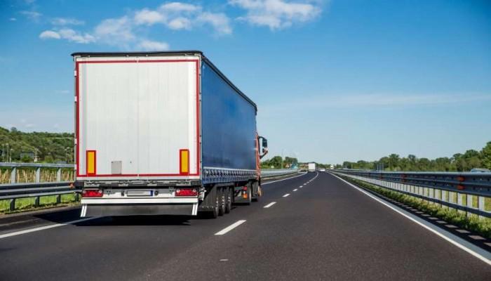 إنقاذ 12 سوريا وسودانيا من داخل شاحنة في بلجيكا