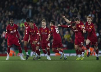 ليفربول يتخطى أرسنال في مباراة مجنونة من 19 هدفا (فيديو)