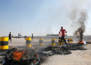 العراق: الاحتجاجات تعطل تفريغ شحنات غذائية في أم قصر