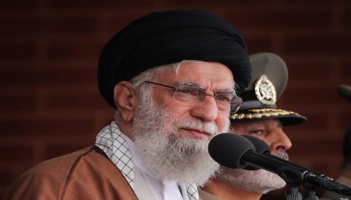 خامنئي يجدد رفض إيران لأي محادثات مع الولايات المتحدة