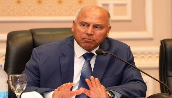 وزير النقل المصري يتودد للسيسي بكتاب عن وطنيته