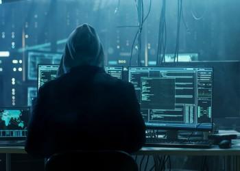 تقرير: حكومات تضلل مواطنيها وتتجسس عليهم عبر مواقع التواصل