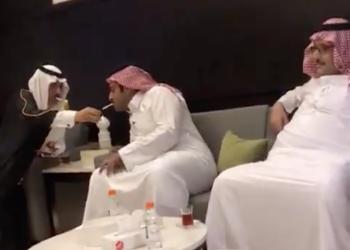 دخان الخصومة مع قطر.. هل أطاحت سيجارة بسفير سعودي؟