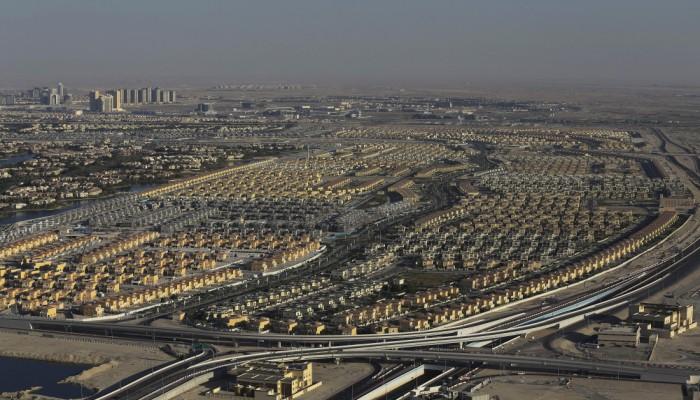 بلومبرج: دبي تستعد لوقف الإنشاءات بعد أزمة قطاع العقارات