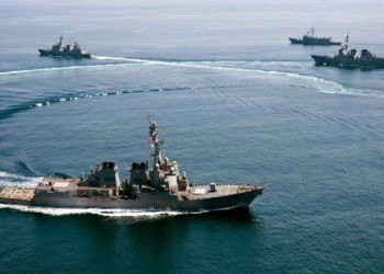 50 دولة تستعرض قدراتها العسكرية البحرية على بعد 100 كم من إيران