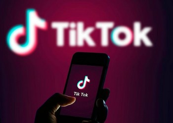 شركة تيك توك تطلق هاتفا ذكيا بأربع كاميرات