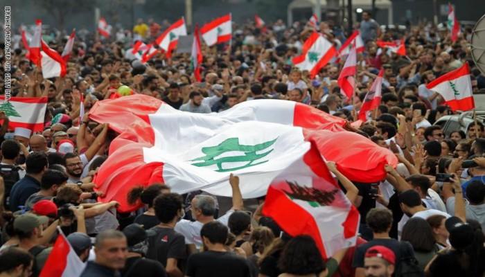 لماذا الفوضى الاقتصادية والسياسية في لبنان؟