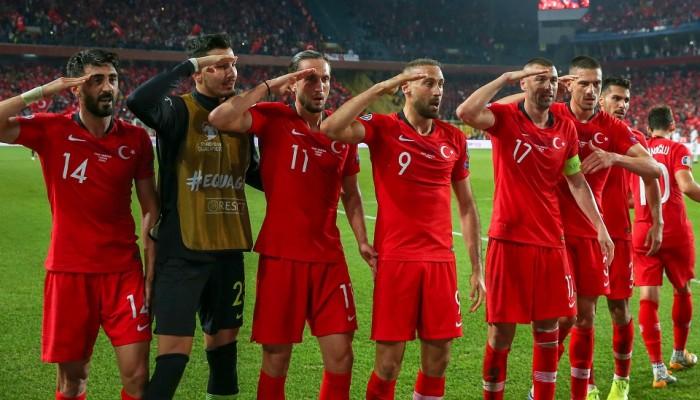 أردوغان ينتقد تمييز يويفا ضد منتخب تركيا