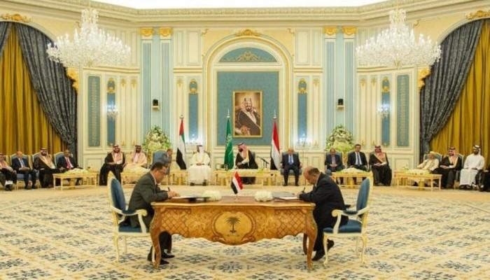 تلاسن إلكتروني بين قرقاش والرميحي حول اتفاق الرياض