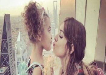 محكمة سعودية تبدل حكمها وتمنح أما أمريكية حضانة ابنتها
