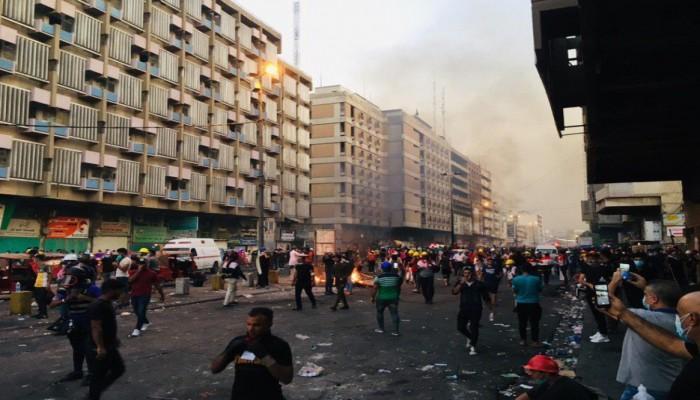 مقتل 6 عراقيين وإصابة 100 في قمع مظاهرات بغداد