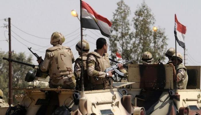 مقتل ضابط ومجندين مصريين وإصابة آخرين بشمال سيناء