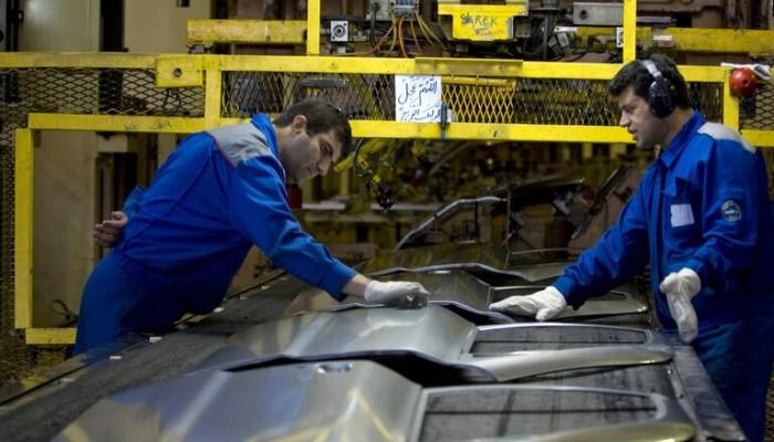إيران تلتف على العقوبات بنقل استثمارات صناعة السيارات لتركيا