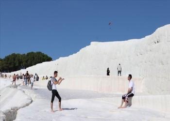 باموق قلعة التركية تستقبل 2.3 مليون سائح في 2019