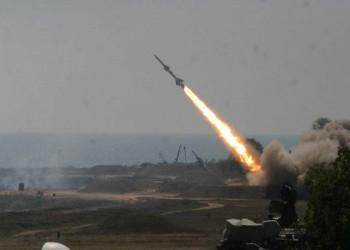 قيادي حوثي: الحوار الذي تفهمه السعودية قصف الصواريخ