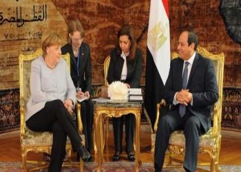 السيسي وميركل يبحثان هاتفيا الوضع في ليبيا
