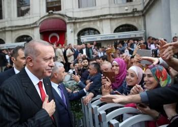 أردوغان يرجح تجاوز عدد السياح إلى تركيا 50 مليونا