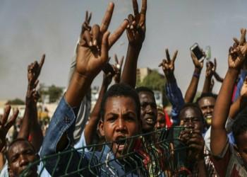 سودانيون يقتحمون حقلا نفطيا ويحتجزون عماله