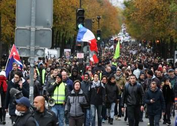 فرنسا.. اعتقال أكثر من 100 ضمن مظاهرات السترات الصفراء