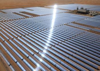 حريق بأضخم محطة طاقة شمسية بالإمارات