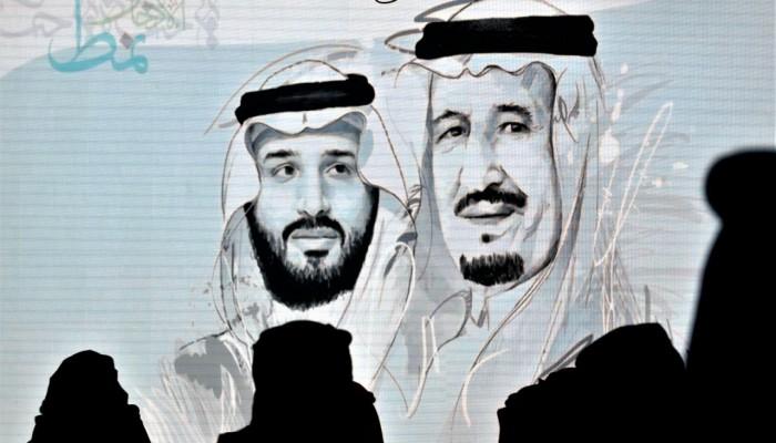إنسايد أرابيا: سياسات بن سلمان المتشددة تضر اقتصاد المملكة