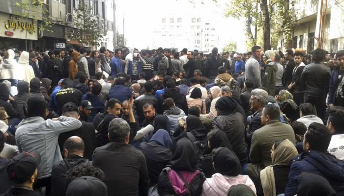 إيران تعلن اعتقال ألف شخص خلال يومين من الاحتجاجات