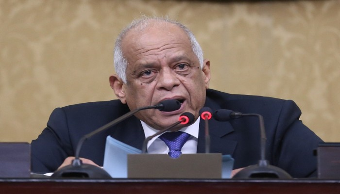 البرلمان المصري يصوت على قانون لتسريع محاكمة المعارضين
