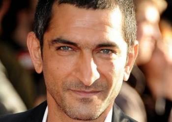 رد جديد من عمرو واكد على أزمة ظهوره مع ممثلة إسرائيلية