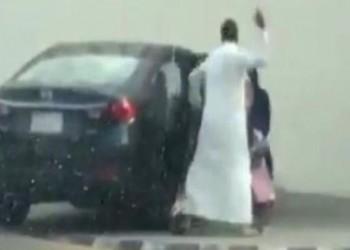 جدل بالسعودية بعد تداول مقطع تعنيف أب لابنته (فيديو)