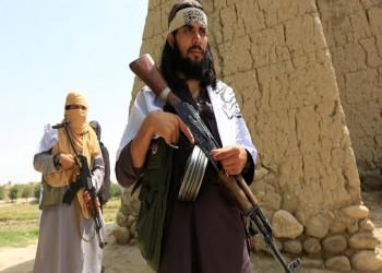 طالبان تفرج عن رهينتين غربيين في صفقة لتبادل الأسرى