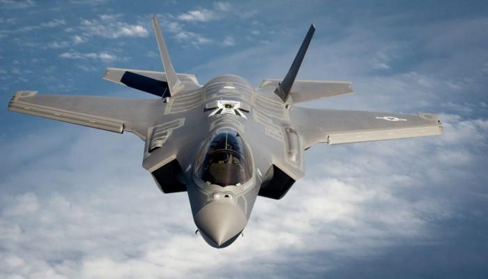"""مقاتلات """"إف-35"""" الأمريكية تعود إلى قاعدة الظفرة الإماراتية"""