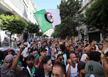 الجزائريون يرفضون إجراء انتخابات في الجمعة الـ40 للحراك