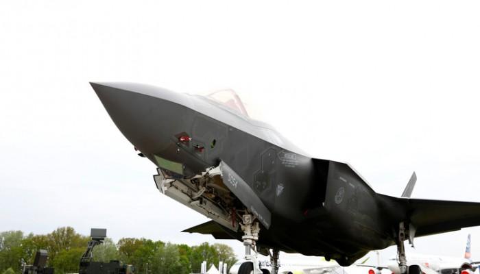 """سرب جديد من """"إف-35"""" الأمريكية يتمركز في الإمارات"""