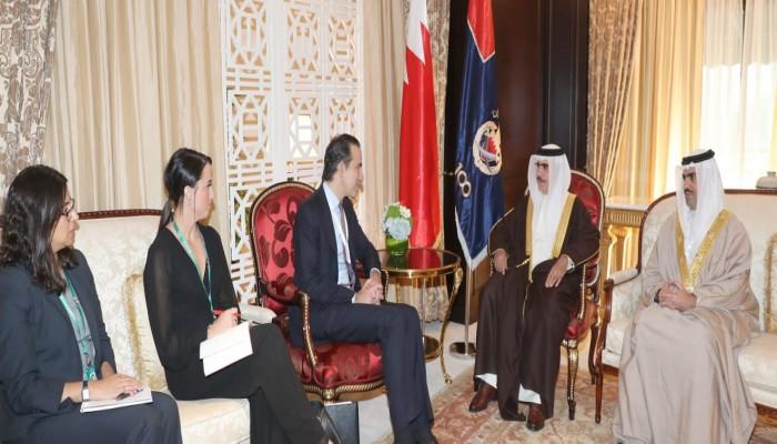 وزير الداخلية البحريني يستقبل نائب وزير الخزانة الأمريكي