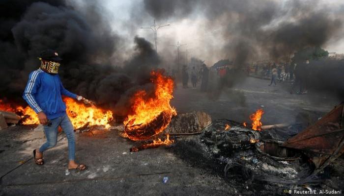 7 قتلى و300 جريح بأعنف اضطرابات بين المحتجين والأمن العراقي