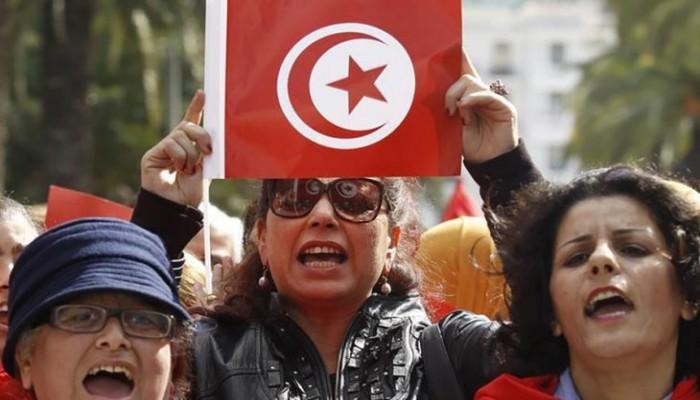 تونسيات يكافحن العنف الزوجي بالمكانس